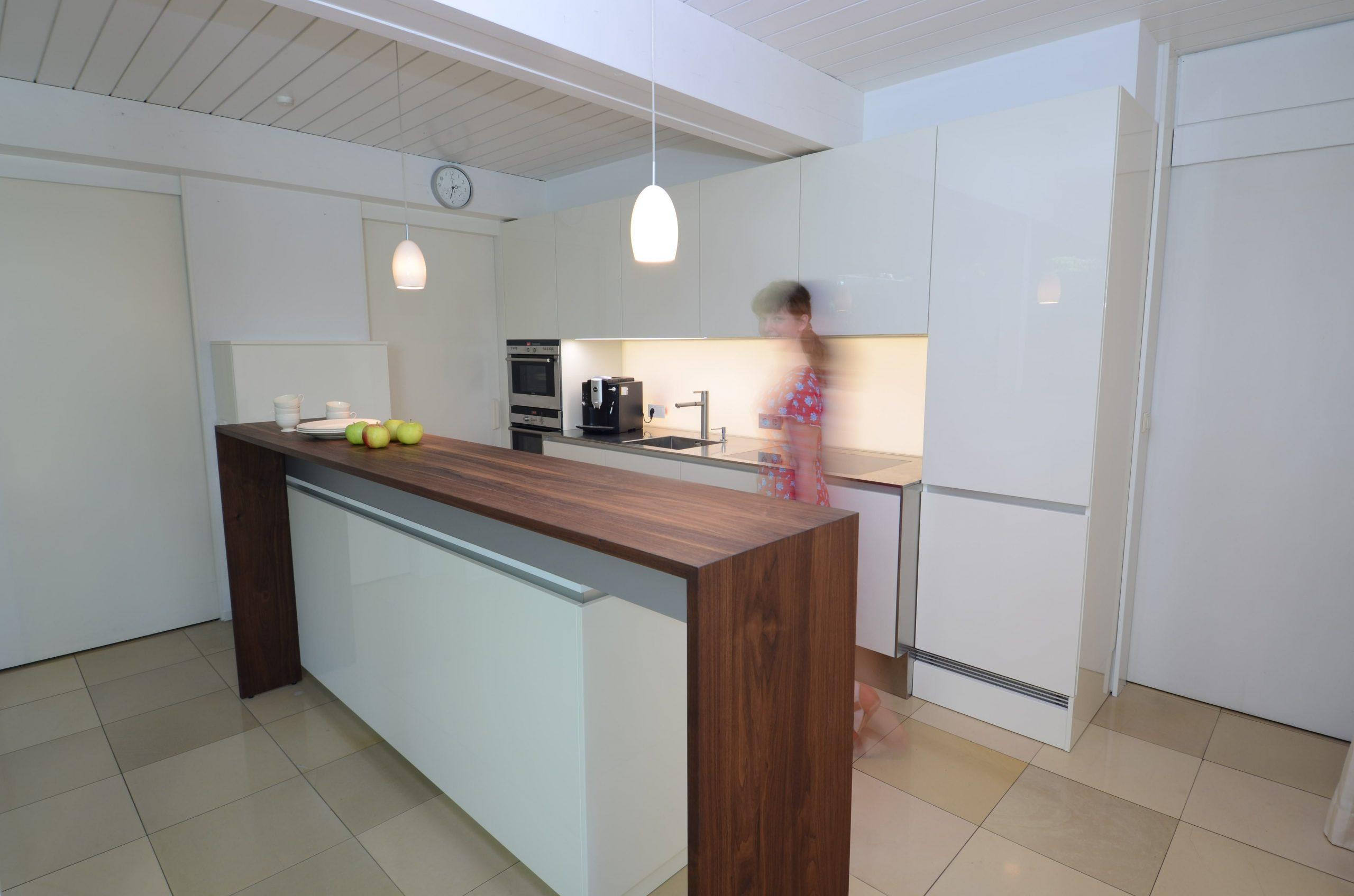 Multifunktional: Küche oder Bar? - Manuela Bross Innenarchitektur